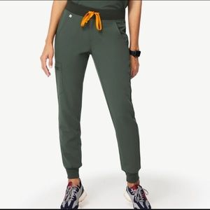 Moss Figs Zamora joggers, hard-to-find Small Tall